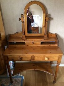 Pine Dressing Table (Ducal Victoria)