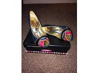 Moda In Pelle Shoes Size 4