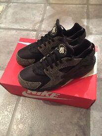 2 Pairs of Nike Huarache (£35 & £15)