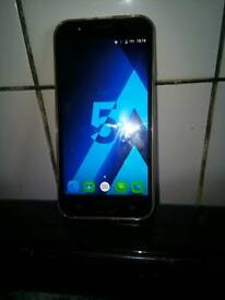 4 months old 5.2 screen.8gb.3g unlocked to.any network