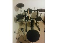 Roland TD3 Electronic Drum kit - ��230 ono