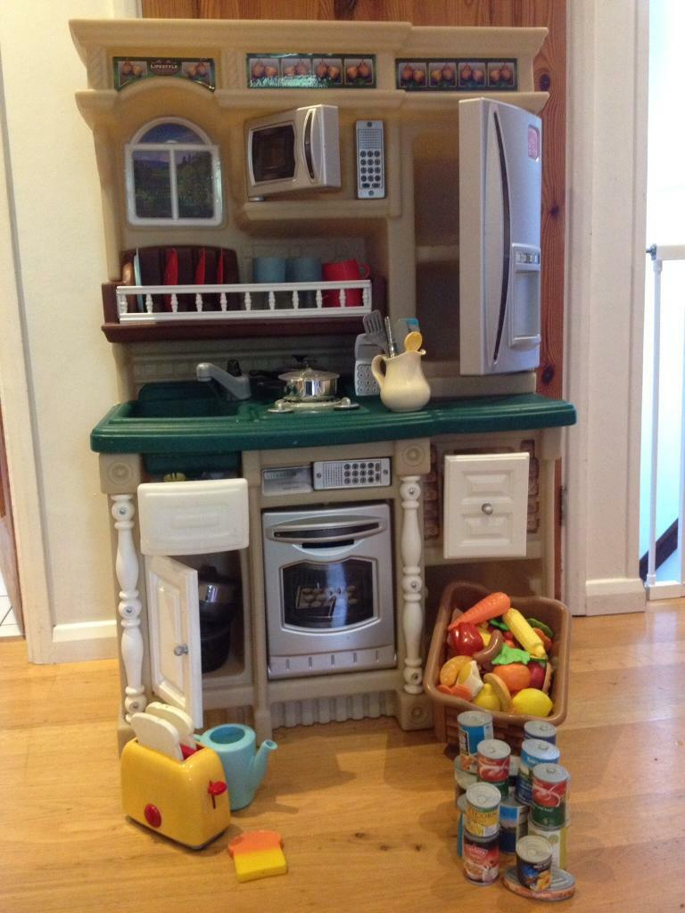 Step 2 Toy Play Kitchen Lifestyle Custom Excellent Condition Collection Only In Barnet London Gumtree