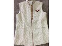 Waiste coat