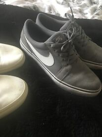 Mens size 10 trainers