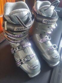 Rossignol Women's Ski Boots - Xena 25.5 (6 -6.5UK) Grey, Silver & Purple. Also a Purple Ski Bag