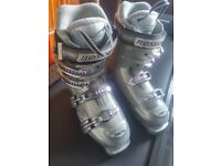 Rossignol Women's Ski Boots - Xena 25.5 (6 -6.5UK) Grey, Silver & Purple. Also a Purple Ski Bag