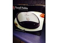 Russel Hobbs -- Sandwich Toaster-- 10£ -- pick up only--
