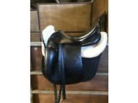 Prestige Top black dressage saddle