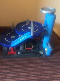 ELC BIG CITY BLUE GARAGE, helipad, 2 storeys, all lights and sounds working.
