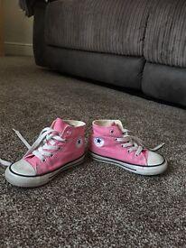 Girls size 8 converse