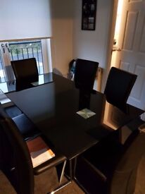 Dining table and 6 chairz