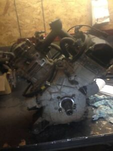2011 can am commander engine