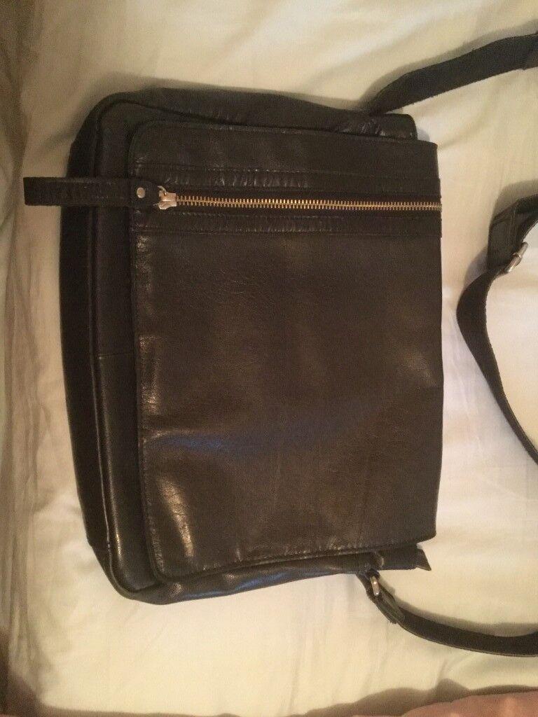 3fd45fa8bd Rowallan-Black-Leather-Messenger-Crossbody-Man Bag-£18