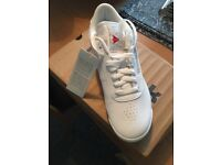 Reebok ladies size 6 Trainers New boxed Tagged