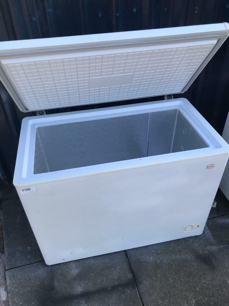 🚛swan chest freezer large size at recyk d1e08396ea2fe