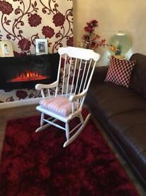 Chabby Chic Rocking Chair - Beautiful & Relaxing