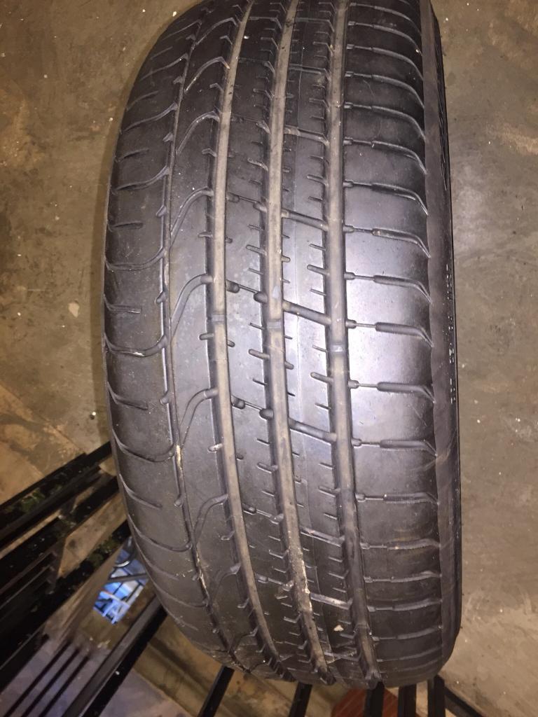 Pirelli run flat tyre 225/35 R19 Y mint condition