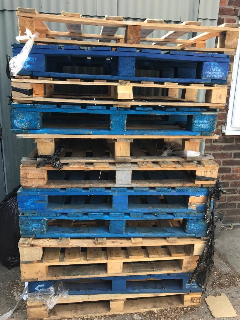 Pallets for salein Chelmsford, EssexGumtree - Pallets for sale £30 ono all of themTake them alll We got some more as well