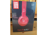 Dr. Dre Beats Solo 2 on ear wired headphones (Red)
