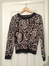 Black & gold H&M jumper - small
