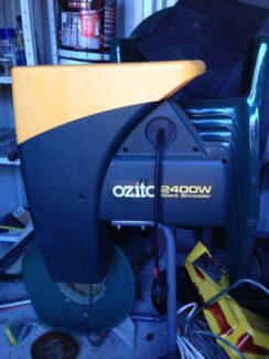 OZITO 2400w Silent Electric Shredder / Chipper Bonnells Bay Lake Macquarie Area Preview