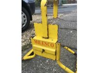 Caravan clamp made by Millenco