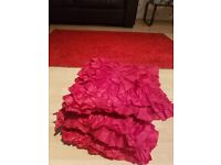 PAIR OF RED CIRTAINS+ RED RUG+3xRED CUSHIONS