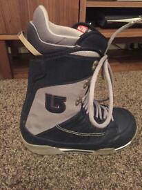 Burton ruler boots size 9