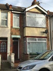 DOUBLE ROOMS TO RENT IN WEST WATFORD NEAR WATFORD GENERAL HOSPITAL INC ALL BILLS
