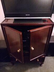 TV / HI-FI / DVD Player Cabinet
