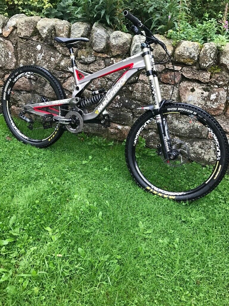 Nukeproof pulse downhill