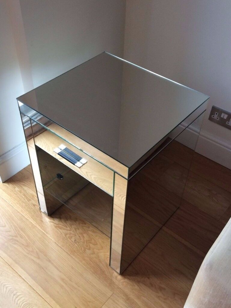 UNIQUE mirrored side table (delivery available)