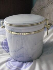 Large Ceramic Kilner-Style Storage Jar or Biscuit Barrel