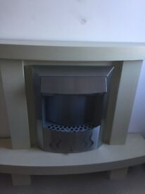 MODERN ELECTRIC FIREPLACE HEATER - FREESTANDING WITH LOVELY DISPLAY STONES PROVIDED
