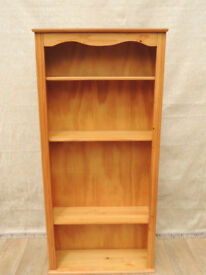 Pine cheap bookcase (Delivery)