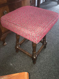 Lovely Vintage Mahogany Solid Turned Legs Footstool/Pouffe/Stool Upholstered in a Red Woven Fabric