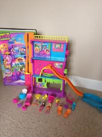 Polly pocket hotel and accessories