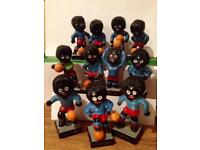 Robertson's Golly football team complete plastic set 1 to 11 VGC 1970's