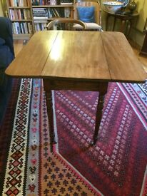Victorian antique mahogany drop leaf table