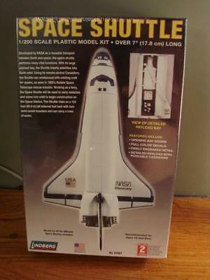 Lindberg Space Shuttle 1/200 #91007 2007 Model SEALED