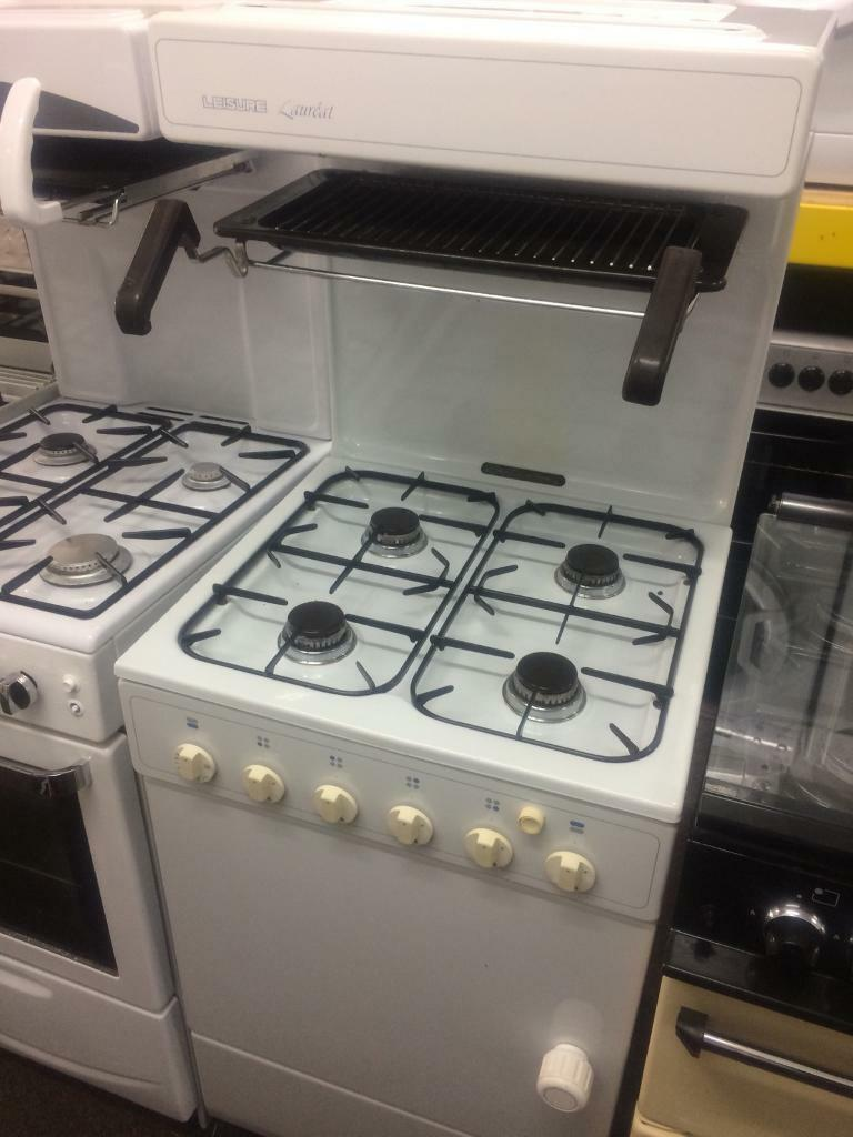 White leisure 55cm eye level gas cooker grill & oven good condition with guarantee bargain