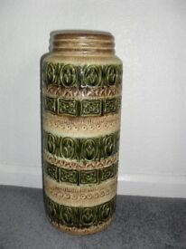 SCHEURICH WEST GERMAN VINTAGE VASE 60's/70's - IDEAL FOR DRIED FLOWERS