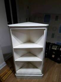 Display corner unit