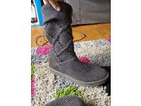 Genuine UGG Australia boots size 8.5 used but in good condition! Grey