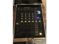 Pioneer DJM700 Mixer & Road Ready flight case