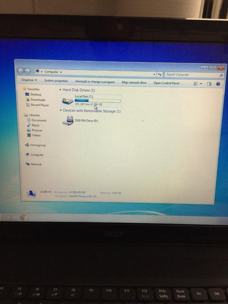 Acer aspire5742 2,1 300hdd 4gb ram