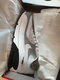 BRAND NEW BOXED NIKE AIR MAX 90 SIZE 8