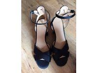 Size 5 woman's shoes