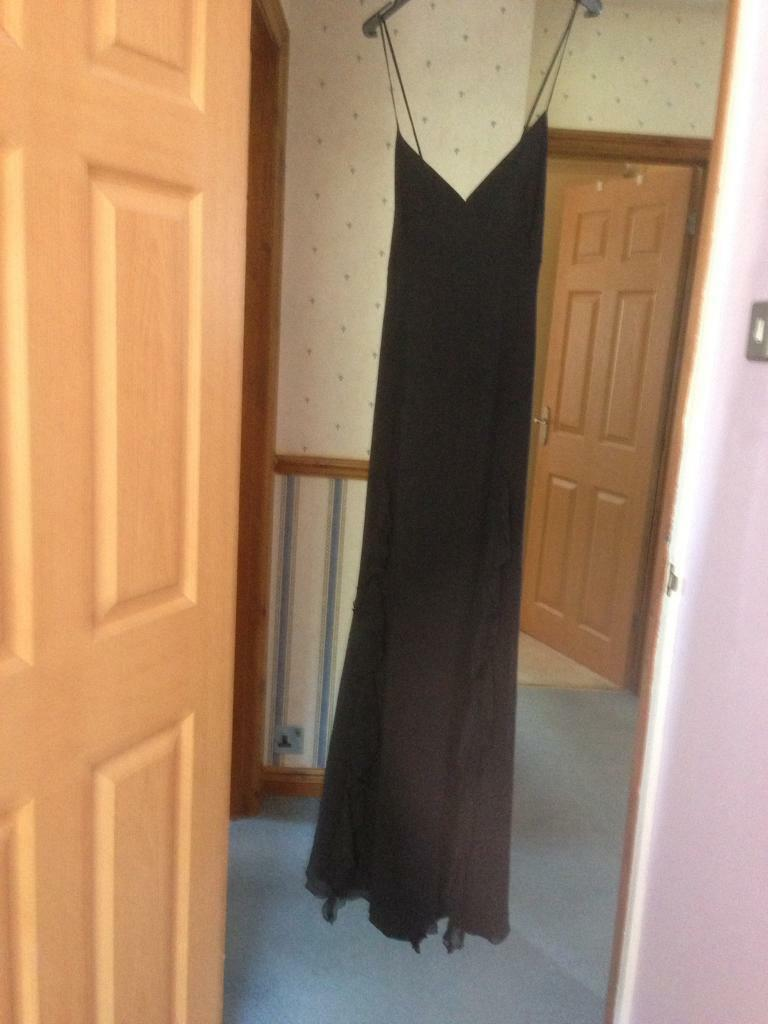 Evening dress size 12in Bexley, LondonGumtree - Pearce Fionas size 12 evening dress excellent condition worn once it has a very pretty scarf effect at the bottom