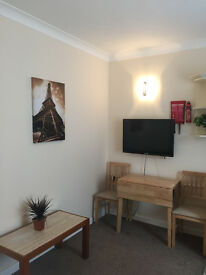 FURNISHED 1 bed studio flat nr OCEAN VILLAGE WITH PARKING AND BILLS INCLUDED